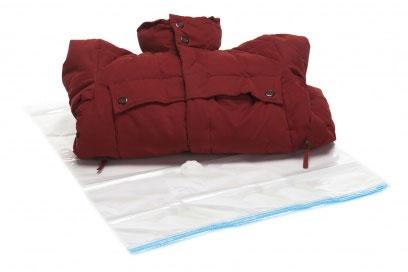 Пакет для хранения одежды Bradex Вакуум, 60 х 80 смTD 0168Пакет для хранения одежды Bradex Вакуум поможет вам раз и навсегда решить вопрос рационального хранения вещей, для которых иногда просто не хватает места в шкафах, на полках и вешалках. Пакет имеет оптимальный размер, поэтому он идеально подходит для хранения зимней и осенней одежды (пуховиков, курток, шуб и дубленок), костюмов и вечерних платьев, подушек, одеял, пледов и иных вещей. Достаточно поместить объемную вещь в пакет, закрыть его и при помощи обычного пылесоса, присоединенного к специальному отверстию на пакете, откачать воздух, чтобы образовался вакуум. Такой способ хранения, во-первых, экономит пространство в шкафу за счет значительного уменьшения размера вещи, а, во-вторых, оберегает вещь от проникновения пыли, плесени и моли, повреждающих ткань. Пакет Bradex Вакуум оснащен герметичной застежкой, подходит к любому пылесосному шлангу, предназначен для многократного использования.