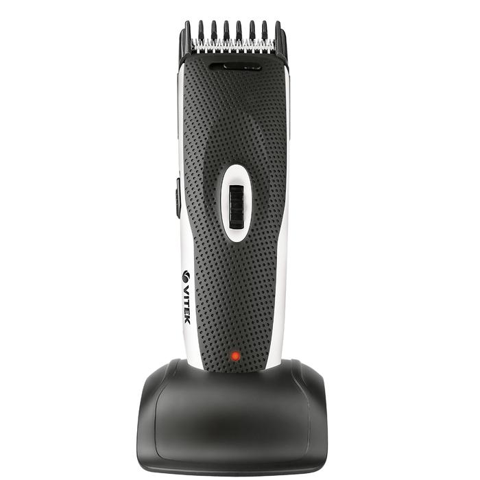 Vitek VT-1355, White1355-VT-02Если Вы цените в технике мобильность, то вам наверняка понравится набор для стрижки VITEK 1355. Действительно, после зарядки от сети он способен до 40 минут работать на аккумуляторах. О заряде аккумулятора вы легко можете узнать, глядя на индикатор. Работая с ним, даже неопытный парикмахер сможет подравнять волосы до нужной длины. Две специальные насадки, входящие в набор для стрижки VITEK VT-1355, сделают работу более комфортной. При желании можно менять установку длины от 3 до 30 миллиметров с помощью специального регулятора. В набор также входит специальная щеточка для чистки.