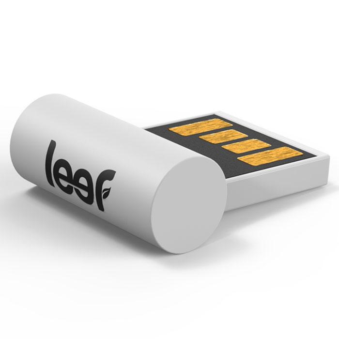 Leef Surge 64GB, White USB-накопительLFSUR-064WWRLeef Surge - один из самых маленьких накопителей на рынке. Устройство настолько миниатюрно, что может оставаться в USB разъеме практически все время. Идеально подходит для увлеченных профессионалов и мечтательных студентов. Стильный и низкопрофильный дизайн Leef Surge идеально подходит для автомобильных и других аудиосистем с USB-портом. Просто загрузите на него всю вашу музыкальную библиотеку, подключите накопитель к аудиосистеме и можете наслаждаться любимой музыкой, где бы вы не находились.Leef Surge обладает ударопрочными свойствами, а также пыле-и влагостойкая, что позволяет защитить ваши воспоминания от любых испытаний.Системные требования: Windows 8, Windows 7, Windows XP (SP3), Windows Vista (SP1, SP2), Windows 2000, Apple Mac OS X и выше