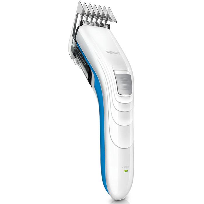Philips QC5132/15, Blue машинка для стрижкиQC5132/15Машинка для стрижки волос Philips QC5132/15 оснащена мощным бесшумным мотором и может работать в беспроводном режиме. Также в комплект входит дополнительная филировочная насадка для создания естественного образа. Просто выберите и зафиксируйте нужную установку регулируемого гребня: от 3 мм до 21 мм (с шагом 2 мм). Либо используйте прибор без гребня для минимальной длины 0,5 мм. Закругленные лезвия и гребни плавно скользят по коже, не царапая ее, чтобы каждая стрижка была безопасной и приятной. Самозатачивающиеся лезвия из нержавеющей стали дольше остаются острыми, не требуют специального ухода и обеспечивают великолепные результаты стрижки. Благодаря легкости и компактности эта семейная машинка для стрижки волос очень удобна в использовании и подходит и для взрослых, и для детей. Эргономичная форма позволяет контролировать каждое движение прибора, обеспечивая полный комфорт. Съемная филировочная насадка позволяет стричь волосы до разной длины. ...