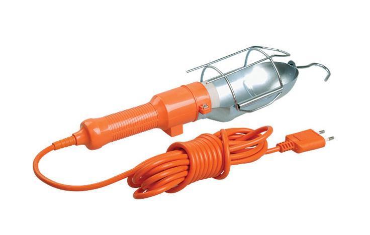 Уличный светильник UNIVersal 83327(966U-0110)83327Светильник переносной UNIVersal предназначен для временного местного освещения рабочей зоны в условиях удаленности от источника света и питающей сети. Устройство оснащено металлическим отражателем с антикоррозийным покрытием. Для удобства использования в верхней части имеется специальный подвесной крюк, позволяющий устойчиво закрепить осветительный прибор в момент эксплуатации. Ручка выполнена из высококачественной конструкционной пластмассы, не поддерживающей горение, а также снабжена встроенным выключателем и в отдельных наименованиях приборной розеткой для максимального повышения функциональности изделия. Питающий провод с усиленной двойной изоляцией позволяет осуществлять эксплуатацию на расстоянии до 10 м. Характеристики: Материал: ABS пластик, металл. Длина шнура: 10 м. Размеры светильника: 40 см x 9 см x 9 см. Размер упаковки: 47 см x 18,5 см x 10 см. Характеристики: Материал: ABS пластик, металл. Длина шнура: 10 м. Размеры...