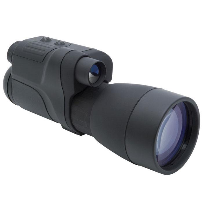 Yukon NV 5x60 прибор ночного видения24065Отличительные черты монокуляра ночного видения Yukon NV 5x60 - высокая светосила и впечатляющая для ночного прибора кратность. За счет большого светового диаметра объектива и его высоких частотно-контрастных характеристик изображение Yukon NV 5x60 отличается яркостью и высоким, порядка 40 штр./мм, разрешением. Показатель визуального увеличения 5х - один из самых впечатляющих среди приборов ночного видения первого поколения. Корпус прибора изготовлен из высокопрочного пластика, а внутренняя компоновка узлов и деталей максимально рациональна, что позволило добиться оптимальных массово-габаритных характеристик ПНВ. NV 5x60 оснащен встроенным ИК - осветителем для наблюдений в условиях полной темноты и недостаточной естественной ночной освещенности (для повышения качества и дальности наблюдения возможно применение дополнительного, более мощного, ИК – осветителя). Для долговременного наблюдения прибор можно устанавливать на штатив. Поколение ЭОП: 1 ...