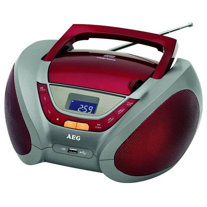 AEG SR 4358, Red аудиомагнитолаSR 4358 rotAEG SR 4358 - стильная и компактная магнитола с ЖК-дисплеем и различными вариантами цветового исполнения. Благодаря отсеку для батареек, устройство можно брать с собой в дорогу или на пикники. Для прослушивания ваших любимых радиостанций предусмотрен встроенный цифровой PLL и FM/AM-тюнер, а также телескопическая антенна. Магнитола имеет разъемы USB и AUX для подключения дополнительных устройств.Потребляемая мощность: 9 ВтЭлементы питания: 6 х 1.5 В (UM2) (в комплект не входят)