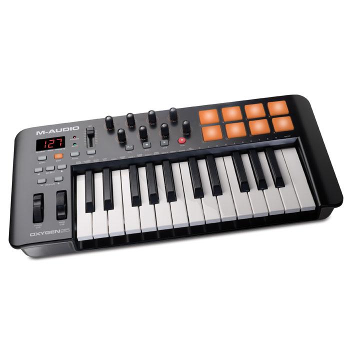 M-Audio Oxygen 25 II midi-клавиатураOxygen 25IVM-Audio Oxygen 25 - это новый MIDI-контроллер, принадлежащий серии Oxygen, представленной на выставке Musikmesse 2014. Этот MIDI-контроллер идеально подойдет для продюсеров, новая модель обладает большим количеством удобно расположенных элементов управления, а раскладка понятна на уровне интуиции. В комплектес M-Audio Oxygen 25 поставляется пакет ПО, который можно использовать для создания собственной музыки. Модель имеет 8 триггерных пэдов, все они чувствительно к скорости нажатия. С их помощью пользователь сможет запускать аудиоклипы, звуки ударных и другие инструменты. 8 регуляторов назначаются пользователем, через них можно настроить плагины и микшер. M-Audio Oxygen 25 имеет назначаемый мастер фейдер. Для удобного процесса работы предназначен ЖК-экран. M-Audio Oxygen 25 комплектуется Ableton Live Lite - это одно из наиболее популярных программных обеспечений для профессиональных музыкантов. Эта программа отлично подходит как для...