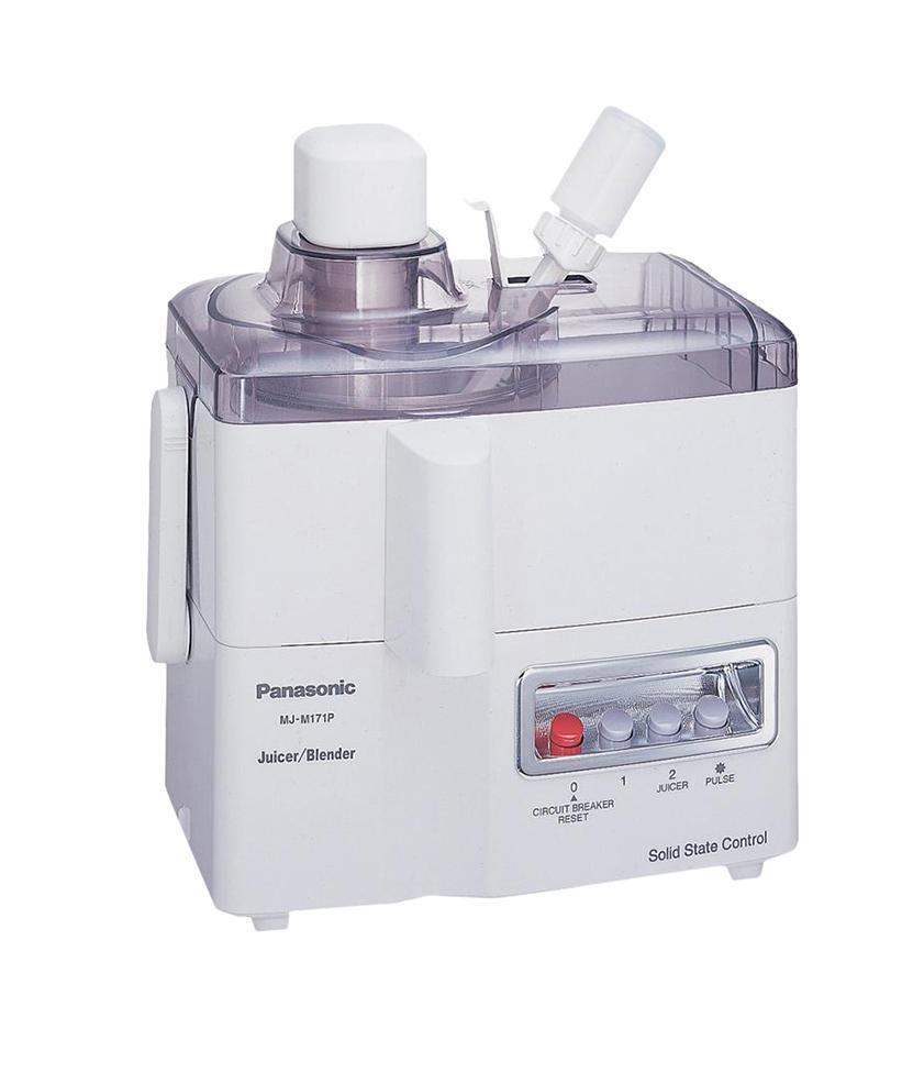 Panasonic MJ-M171 PWTQ соковыжималкаMJ-M171 PWTQСоковыжималка Panasonic MJ-M171 PWTQ может не только делать сок, но и замешивать коктейли, ведь в комплект к ней входит стеклянная чаша-блендер объемом 1 л. Мощность прибора составляет 230 Вт, однако конструкция устроена таким образом, что при такой небольшой мощности происходит очень качественный отжим. Внутри корпуса находится контейнер для жмыха, куда автоматически ссыпаются отходы от плодов. По окончанию работы вы легко сможете выбросить их в мусорное ведро. Данная модель универсальна: можно выжимать сок из любых ягод, овощей и фруктов, а также из цитрусовых.