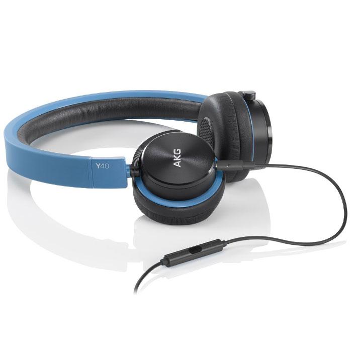 AKG Y40, Blue наушникиY40BLUAKG Y40 - качественные накладные наушники с классическим оголовьем для вашего устройства, надежно прижимающим динамики к ушам и распределяющим нагрузку по всей голове. Удобная «посадка» обеспечивает долгое, комфортное ношение. Внушительных размеров динамики передают чистый звук с выразительными низами и звонкими верхами. Встроенный микрофон позволяет общаться «без использования рук», а его высокая чувствительность делает вашу речь хорошо разборчивой на другом конце «провода». AKG Y 40 отлично подходят как для общения, так и для прослушивания музыки, радио, просмотра видеороликов и фильмов. Модель оснащена удобным пультом управления с несколькими функциями. Это значительно повышает удобство использования устройства, ведь вы можете отдавать ему команды дистанционно.