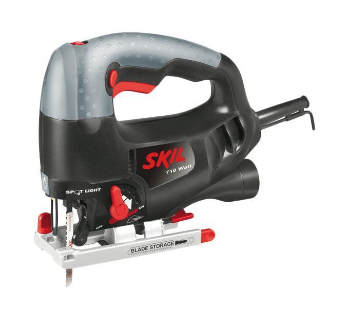 Skil 4581LD электролобзик4581LDSkil 4581LD - электролобзик с 5-ти ступенчатой регулировкой амплитуды колебаний для аккуратного и для скоростного пропила. Подсветка рабочей поверхности улучшает видимость при работе в плохо освещенных местах. Колесико выбора скорости специально создано для изменения настройки в зависимости от типа работы (очень удобно использовать для плавного пуска, а также для аккуратного пропила). Выключатель вентилятора для выбора способа удаления пыли: выдув в стороны или отвод при помощи пылесоса для обеспечения хорошего обзора линии пропила во время работы. Данная модель оснащена прочной алюминиевой опора с системой крепления «Clic» и возможностью установки под углом в 7 различных положениях с шагом 15°. Кнопка выключателя с фиксатором для работы в непрерывном режиме может включаться с обеих сторон инструмента. Предусмотрена возможность удаления пыли через отверстие, рассчитанное на прямое соединение со шлангом стандартного бытового пылесоса. Отделение для хранения пилок и...