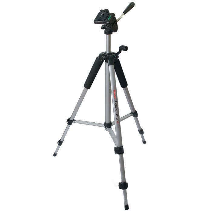 Rekam LightPod RT-L32G штатив фото/видеоLightPod RT-L32GRekam RT-L32G – легкий, 3-секционный, штатив для любительской фото- и видео съемки. Легкий и компактный штатив выдерживает нагрузку до 3 кг. Устойчивая конструкция с поперечными растяжками позволяет легко установить штатив в ровном положении не обладая специальными навыками. Многогранное сечение ног придает штативу дополнительную прочность и устойчивость. Конструкция 3D «головы» позволяет поворачивать камеру для съемки вертикальных кадров, и производить панорамную- и видео съемку. Управление «головой» осуществляется при помощи ручки. Съемная площадка для крепления камеры обеспечивает надежную фиксацию, и позволяет оперативно установить и снять технику. Реечный микролифт с фиксатором позволяет осуществлять плавную регулировку высоты штатива. Для правильной установки горизонта, «голова» штатива оснащена жидкостным уровнем. Для удобного обхвата верхние секции ног штатива оснащены специальными мягкими «муфтами».