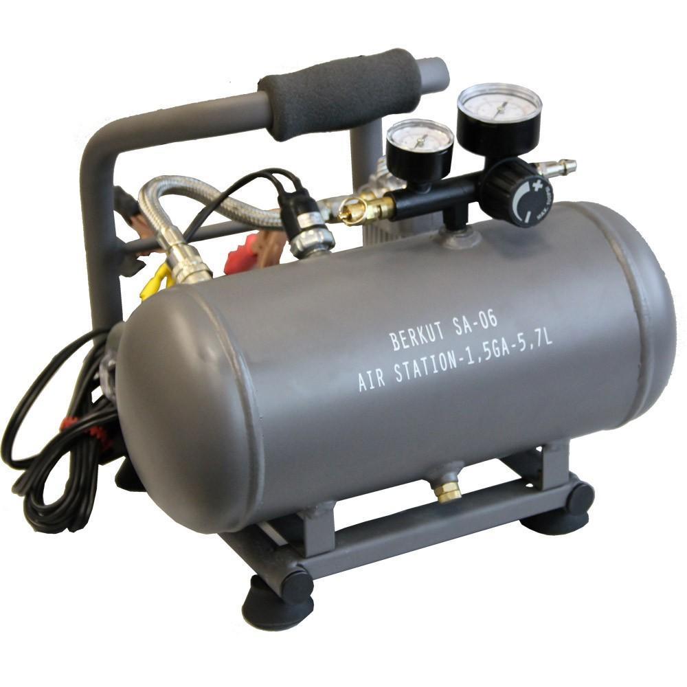 Компрессор автомобильный BERKUT SA-03SA-03Технические характеристики: - Напряжение питания: 12 В - Максимальный ток потребления: 16 A - Максимальное давление компрессора: 9 атм (BAR) - Рабочее давление пневмостистемы: 5,8 - 7,25 атм (BAR) - Максимальная производительность: 36 л/мин - Рабочая производительность: 32-28 л/мин (5,8-7,25 BAR) - Время непрерывной работы: 20 мин - Диапазон рабочих температур: -30 °C +80 °C - Уровень шума: ...