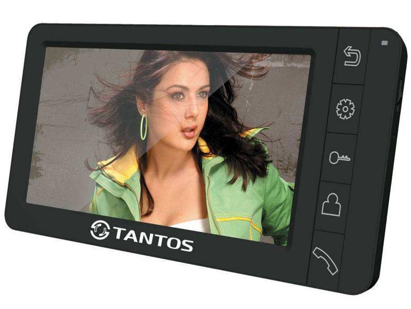 Tantos Amelie - SD, Black монитор видеодомофона00-00016177Amelie - SD - с функцией свободные руки. Видеодомофон позволяет осуществлять внутреннюю видеосвязь между абонентами дома. Предназначен для возможности дистанционного наблюдения пространства перед входной дверью и организации двухсторонней аудио связи с посетителем. К монитору Amelie - SD подключаются все самые распространенные вызывные панели отечественных и зарубежных производителей. Соединение с панелями 4-х проводное. Монитор может показывать изображения от 2-х вызывных панелей, одна из которых может быть установлена на двери лифтового холла, вторая – непосредственно на входе в квартиру. Дополнительно, можно подключить еще 2 камеры (им потребуется отдельный источник питания), расположив их в нужных местах, например, в длинном, изломанном коридоре от квартиры до лифтового холла. В квартире или доме можно установить до 4-х мониторов (комнаты, кухня, разные этажи дома). Вся информация записывается на съемную карту памяти стандарта SD емкостью 32 Гб. Запись фото осуществляется по нажатию кнопки вызова или вручную, по Вашему желанию.