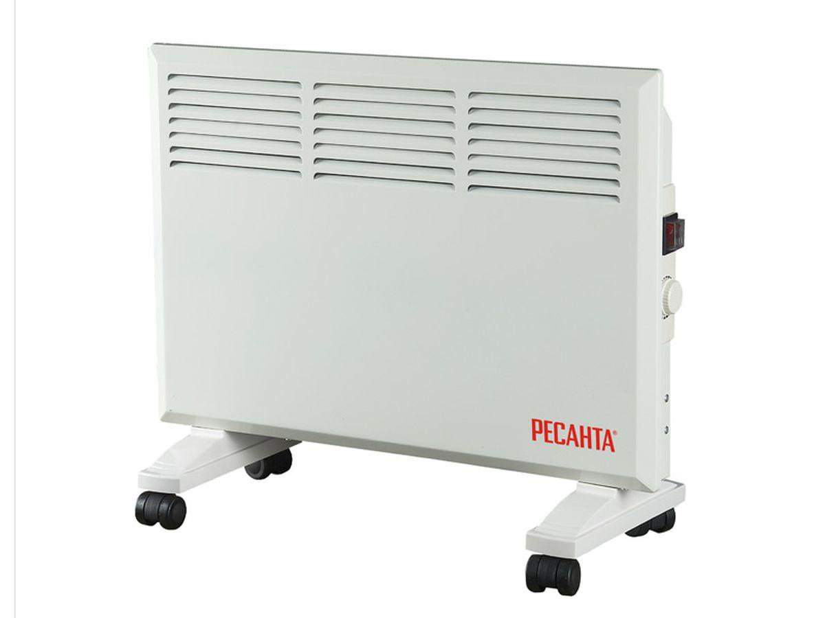 Ресанта ОК-1600 конвектор67/4/2Конвекционный обогреватель Ресанта ОК-1600. Прибор имеет функцию деления мощности наполовину и механический термостат, встроенный в корпус. Температура регулируется в пределах одного градуса. В принципе действия конвекционного обогревателя лежит естественный теплообмен. Проходя через нагревательный элемент, теплые воздушные массы поднимаются, освобождая место для холодного воздуха. Фронтальные выходные отверстия в конвекторе Ресанта ОК-1600 оптимальным способом регулируют направление потоков, не давая теплу уходить в стену. В комплект входят опорные ножки для напольной установки и колеса для удобства перемещения. При снятых колесиках конвекционный обогреватель можно повесить на стену.