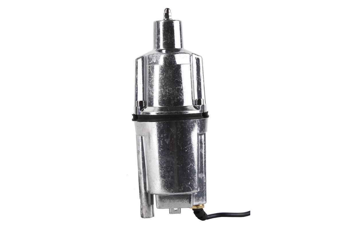 Hammer NAP200A (16) погружной вибрационный насосNap200а (16)Компактный вибрационный погружной насос HAMMER NAP200A (16) используется для перекачки переносной воды и подъема чистой воды из скважин, колодцев на высоту до 40 метров. Отличается малым потреблением электрической энергии. Вал двигателя из нержавеющей стали и алюминиевый полированный корпус обеспечивают повышенную надежность и продлевают срок службы насоса. Вибрационный насос HAMMER NAP200A (16) оснащен системой термозащиты и кабелем 16 м. Нижний забор воды позволяет насосу работать некоторый период в режиме частичного погружения, потому как охлаждение осуществляется за счет перекачиваемой воды. Не нуждается в дополнительном обслуживании. Подходит для перекачки жидкости на большие горизонтальные расстояния - до 150 метров.