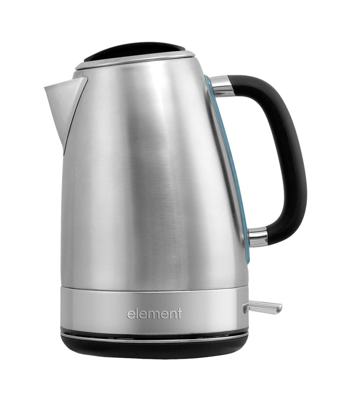 Element WF05MB, Metall Black электрочайникWF05MBЭлектрический чайник Element WF05MB имеет оригинальный дизайн. Нержавеющая сталь, из которой выполнен чайник, является не только экологически безопасным материалом, а также обладает повышенной прочностью, надежностью и долговечностью. Благодаря подсветке, вы всегда будете видеть уровень воды в чайнике. Стальной фильтр-сетка защитит ваши напитки от накипи. Выбор стали в качестве материала фильтра позволяет значительно увеличить его срок службы. Благодаря прорезиненному покрытию ручка не нагревается и не скользит в руке. Такой чайник станет стильным дополнением любой кухни.