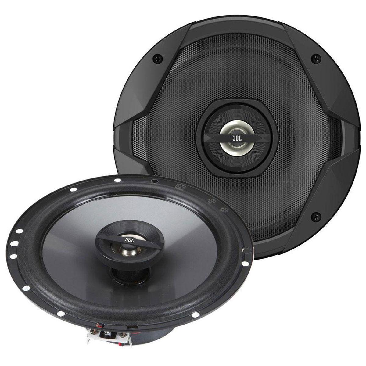 JBL GT7-6 автоакустика коаксиальнаяGT7-6Автомобильные динамики серии JBL GT7 – оптимальный выбор для тех, кто ценит сочетание цены и качества, а также небезразличен к стилю автомобильной акустики. Серия колонок JBL GT7 с легкостью интегрируется на место штатных колонок и проста в установке. Кроме того, каждый комплект динамиков включает оборудование для установки, что делает их монтаж еще более простым.Технология Plus One позволяет увеличить полезную площадь диффузоров на 30%, что благотворно сказывается на СЧ-диапазоне и расширяет басы. Вкупе с расширенным диапазоном частот и индивидуальной настройкой, владелец динамиков JBL GT7 получает акустическое оформление превосходного качества по невысокой цене, имея возможность подстроить звучание, опираясь на собственные предпочтения. А стильный внешний вид колонок излишний раз подчеркнет хороший вкус владельца автомобиля.