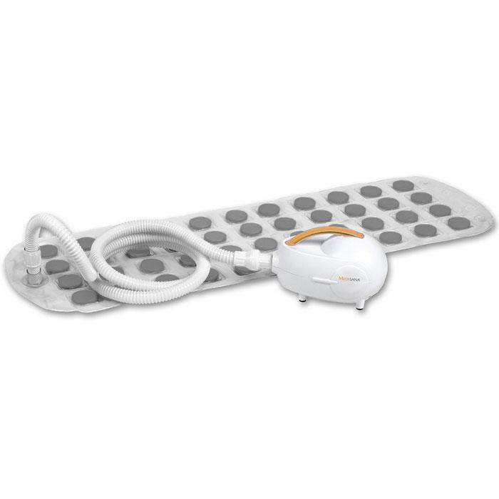 Medisana Коврик комфортный гидромассажный MBH, для ванной00000802Гидромассажный коврик для ванной Medisana MBH очень легок в использовании. Просто помещаем его на дно ванной и наливаем в нее воду. Коврик выполнен мягким и сгибающимся, что делает его очень удобным в применении.Управлять режимами массажа можно, как с самого прибора, так и с пульта дистанционного управления. Вам доступны три вида пузырькового массажа. Имеется диспенсер ароматических средств внутри воздушного шланга. Прибор имеет таймер автоматического выключения через 10, 20 или 30 минут. При работе — гидромассажер Medisana MBH создает минимум шума.