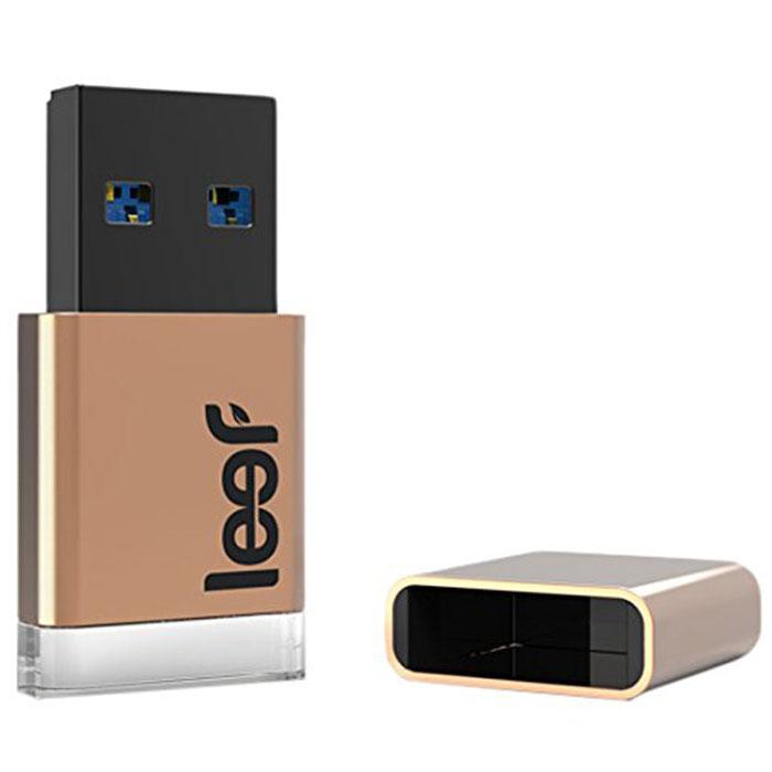 Leef Magnet 3.0 32GB, Copper USB-накопительLFMGN-032COPТысячи лет медь высоко ценили за пластичность и красоту. Будь то заклепки на джинсах марки Levys, роскошные часы или украшения для дома, медный цвет добавляет лоска и престижа всему, к чему прикасается. Leef Magnet 3.0 Copper сочетает в себе благородную красоту меди с мягко светящимся диодом и магнитным колпачком, который невозможно потерять. На рынке впервые появился накопитель с магнитным колпачком, который позволяет не потерять его из виду. Просто прикрепите его к холодильнику, дверце машины... всему, что подскажет ваша фантазия. Leef Magnet 3.0 обладает ударопрочными свойствами, а также пыле-и влагостойкая, что позволяет защитить ваши воспоминания от любых испытаний. Системные требования: Windows 8, Windows 7, Windows XP (SP3), Windows Vista (SP1, SP2), Windows 2000, Apple Mac OS X и выше
