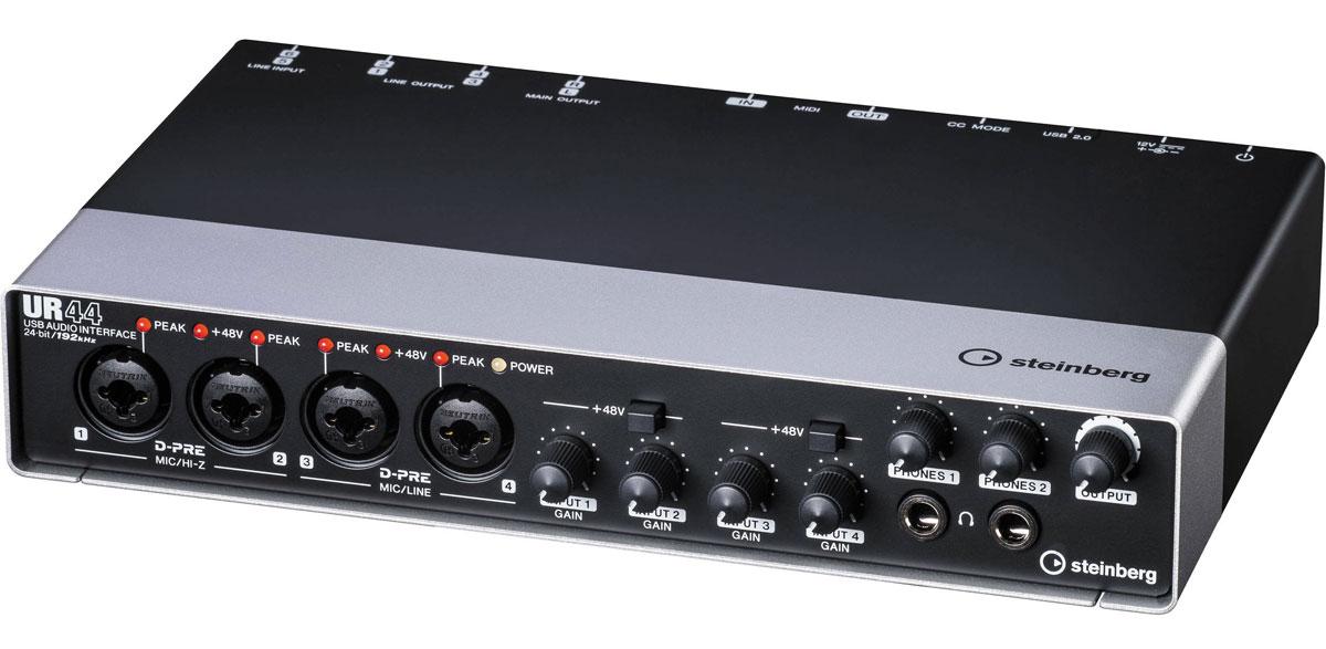 Steinberg UR44, Black аудио интерфейсUR44Steinberg UR44 - это USB-аудиоинтерфейс, который представляет собой компактную продакшн-студию, поддерживающую звук с разрешением до 192 кГц/24 бит. Устройство оснащено MIDI входом и выходом, микрофонными предусилителями D-PRE (Class-A) и СC-режимом для iPad.С помощью данной модели возможен мониторинг на базе DSP с реверберацией REV-X и канальной линейкой Sweet Spot Morphing Channel Strip без задержек. Получение поддержки Cubase осуществляется через приложение dspMixFx.4 комбовхода Neutrik заряжены микрофонными предусилителями D-PRE, которые поддерживают фантомное питание. Помимо этого, на задней панели расположены 4 симметричных линейных выхода и 2 мастер-выхода, а также переключатель CC-режима.Поддержка режимов до 24-бит/192 кГц2 отдельные шины наушников с выходами4 линейных выхода (симметричные TRS), 2 мастер-выхода L/R (симметричные TRS)4 аналоговых XLR/TRS комбовхода, 2 линейных входа TRS 4 микрофонных предусилителя D-PRE (Class-A)Поддержка фантомного питания +48 В Прочный цельнометаллический корпус MIDI вход и выходМониторинг на базе DSPРежим CC для соединения с iPad (2 или новее) при помощи Apple iPad Camera Connection Kit Системные требования:Двухъядерный процессор Intel или AMDОЗУ: 2 ГБМесто на диске: 4 ГБРазрешение экрана: 1280 x 800ОС: WindowsXP/Vista/7/8/8.1; Mac OS X 10.7/10.8/10.9/10.10; iOS 6 или вышеДля установки и активации ПО Cubase AI требуется интернет-соединение