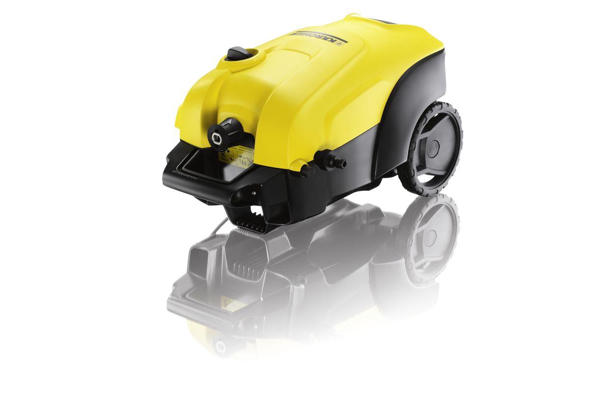 Мойка высокого давления Karcher K 4 Compact, цвет: желтый, черный1.637-310.0Мойка высокого давления Karcher K 4 Compact с двигателем водяного охлаждения – превосходное решение для быстрого устранения загрязнений на фасадах, заборах и транспортных средствах. При малых размерах она обладает высокой производительностью, а две ручки для переноски обеспечивают высокую мобильность и хранение с экономией места. Практичный отсек позволяет размещать принадлежности на корпусе аппарата. Аппарат оснащен встроенной системой всасывания чистящего средства. Высококачественная телескопическая ручка из алюминия устанавливается на удобной для пользователя высоте и задвигается в корпус аппарата для его хранения. Грязевая фреза формирует вращающуюся точечную струю для интенсивной очистки. Трубка Vario Power обеспечивает плавную регулировку давления (от высокого до низкого). Удобные и надежные аппараты высокого давления серии Сompact имеют две ручки для транспортировки, чтобы можно было брать минимойку повсюду. Даже в багажнике автомобиля...