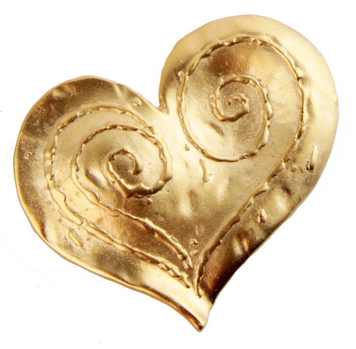 Брошь Сердце от Sphinx. Бижутерный сплав золотого тона. Sphinx, Великобритания, конец ХХ векаОС23606Брошь Сердце от Sphinx. Бижутерный сплав золотого тона. Sphinx, Великобритания, конец ХХ века. Размер броши 5 х 4 см. Сохранность хорошая. Клеймо Sphinx в овальном картуше на изнаночной стороне броши. Необыкновенной красоты брошь! Выполнена брошь из высококачественного ювелирного сплава под золото. Украшение в виде небольшого сердца с металлическим орнаментом по всей поверхности Поистине, как классика никогда не выходит из моды, так и эта брошь будет служить вам украшением многие годы.