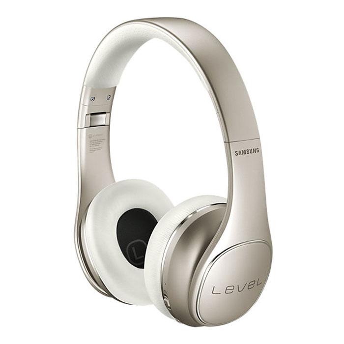 Samsung EO-PN920 Level On Pro, Gold наушникиEO-PN920CFEGRUНаслаждайтесь великолепным звуком ультравысокого качества c беспроводными наушниками Samsung Level On Pro, звуком, превосходящим даже качество Audio CD. Используя новый кодек UHQ-BT, эти наушники позволяют вам насладиться более богатым и сбалансированным звучанием вашей любимой музыки.Samsung Level On Pro не только обеспечивают звук студийного качества, но и оснащены функцией активного шумоподавления (Active Noise Cancelation, ANC). Четыре встроенных микрофона, по два на каждом наушнике, гарантируют точное распределение звука.С помощью сенсорной панели наушников вы можете управлять самыми различными функциями, не пользуясь при этом кнопками управления подключенного к Samsung Level On Pro устройства: регулировать громкость звука, управлять воспроизведением музыки, принимать и отклонять вызовы.Есть необходимость услышать, что происходит вокруг вас? Воспользуйтесь режимом Talk-in для получения звука от одного из внешних микрофонов, которыми оснащены ваши наушники.Samsung Level On Pro также позволяют делиться вашими любимыми композициями с друзьями благодаря уникальной функции Sound With Me.