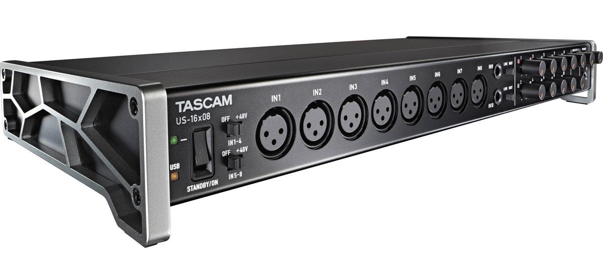 Tascam US-16x08, Black аудиоинтерфейсUS-16x08Tascam US-16x08 - аудиоинтерфейс, который предназначен для управления большими сессиями благодаря 16 микрофонным и линейным входам с чистым звуком и расширенным функциями. 8 Ultra-HDDA микрофонных предусилителя имеют чистейшее звучание, бесшумную работу и предоставляют до 56 дБ усиления. Плюс есть 8 линейных входа, два из которых переключаются на инструментальные для прямой записи гитары или бас- гитары. Также доступны 8 балансных линейных выхода, два с регулятором уровня на передней панели. Устройство оборудовано DSP-микшером для цифрового микширования с низким уровнем задержки. Каждый канал имеет 4-полосный эквалайзер и компрессор для формирования окончательного варианта звучания микса. Этот интерфейс можно даже использовать в качестве автономного микрофонного предусилителя. Кроме того, US-16x08 обеспечен драйверами для Mac и Windows, а также совместимыми драйверами для планшетов. MIDI вход и выход находится на задней панели. Имеются аналоговые...