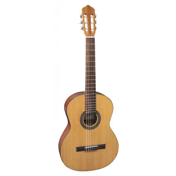 Flight C-120 NA 4/4 акустическая гитараC-120 NA 4/4Инструмент Flight C-120 NA 4/4 прекрасно подходит как для обучения в музыкальной школе, так и для самостоятельной игры дома. Flight C-120 можно считать старшей сестрой уже известной модели Flight C-100, которая была признана лучшей в классе ученических гитар. Flight C-120 - это гитара с классической испанской формой корпуса и нейлоновыми струнами. На начальном этапе обучения рекомендуются инструменты именно с нейлоновыми струнами, так как они будут доставлять меньше дискомфорта при игре. Flight C-120 - это полноразмерный инструмент, который подойдет как детям, так и взрослым, которые только открывают для себя гитарный мир. Верхняя дека изготовлена из ели, что обеспечивает чистое звучание, так необходимое для грамотного развития слуха. Нижняя дека и обечайки из сапеле, породы дерева по свойствам очень схожим с красным деревом, благодаря чему звук приобретает мягкость и глубину. Достаточно толстая, порядка 6 мм, палисандровая накладка на...