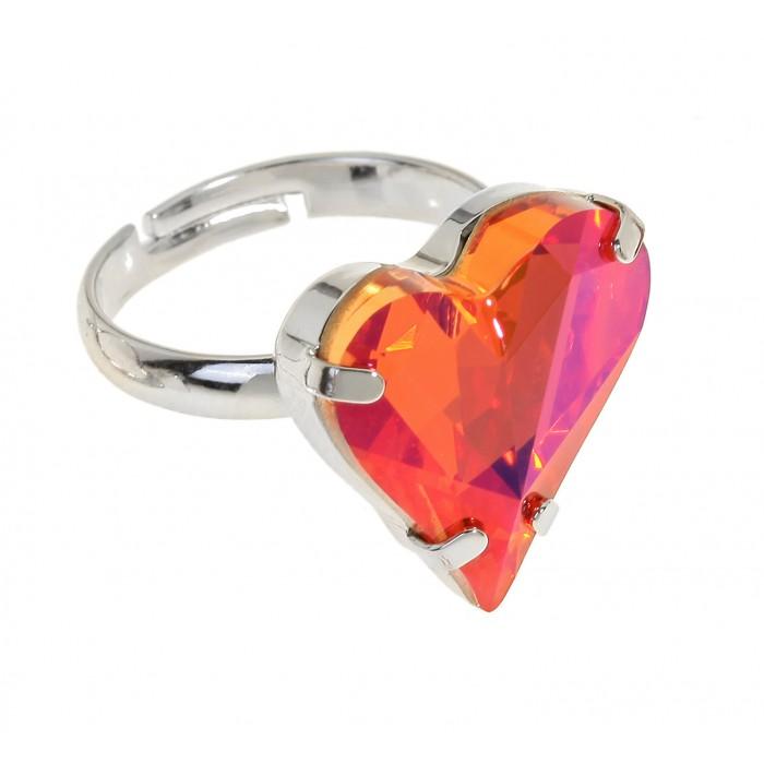 Кольцо Jenavi Эдриана, цвет: серебристый, розовый. r686f011Коктейльное кольцоСтильное кольцо Jenavi Эдриана изготовлено из ювелирного сплава с антиаллергическим гальваническим покрытием серебрением с родированием. Оформлено кольцо кристаллом Swarovski в форме сердца. Изделие регулируется по размеру. Оригинальное кольцо придаст вашему образу изюминку и подчеркнет индивидуальность.