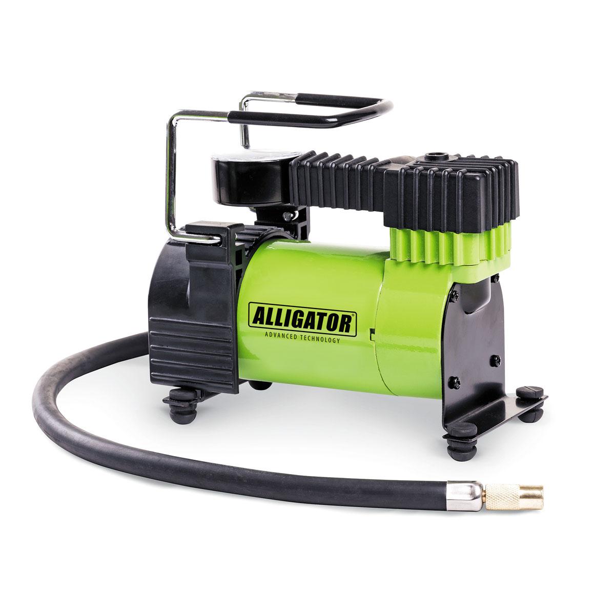 Компрессор автомобильный Автопрофи Аллигатор, 12В, 105 Вт. AL-300AL-300Автомобильный компрессор Автопрофи Аллигатор выполнен из высококачественного металла. В комплекте переходники для накачки надувных изделий. Питание осуществляется от бортовой сети 12В. Компрессор может непрерывно работать в течение 25 минут. В комплекте сумка для удобной переноски и хранения. Напряжение: 12В. Мощность: 105 Вт. Производительность: 28 л/мин. Максимальное давление 10 АТМ. Длина кабеля питания: 3 м. Длина шланга: 70 см. Время непрерывной работы: 25 минут. Диаметр поршня: 30 мм. Рабочая температура: от -20°С до +50°С. Максимальный ток: 14 А.