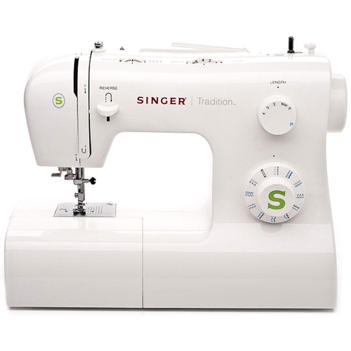 Singer Tradition 2263 швейная машинаTradition2263Классическая швейная машина Singer Tradition 2263 имеет богатый набор строчек, умеет делать все основные швейные операции и отлично подойдет для обучения шитью, шитья и ремонта одежды, шитья предметов домашнего обихода и для других подобных работ. Данная модель выполняет операции со всеми видами тканей. Доступны прямая и оверлочная строчки, зигзаги, потайной шов, эластичные, краеобметочные, декоративные и атласные швы. Более того с помощью специальных лапок машинка вшивает молнии, штопает и пришивает пуговицы. В машине установлен классический вертикальный челнок. Для выполнения качественной строчки имеется плавная регулировка длины и ширины стежка, есть возможность шитья двойной иглой. Регулировка давления лапки на ткань и шестисегментная рейка-транспортер позволяет работать с разными видами тканей. Для облегчения процесса шить имеется кнопка реверса шитья для выполнения закрепки строчки, быстрая намотка шпульки, система быстрой замены...