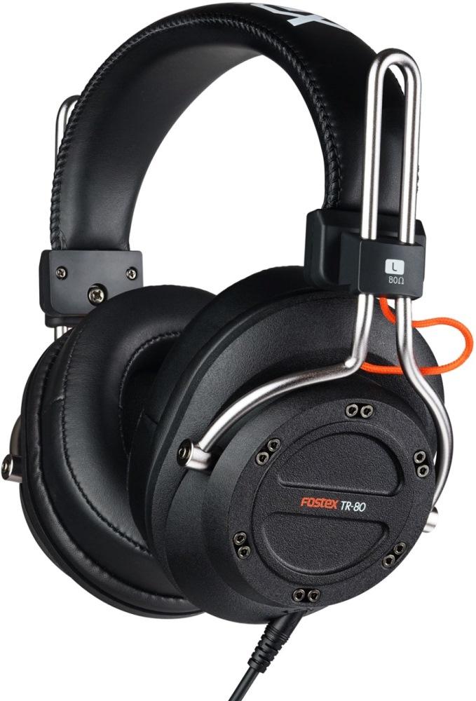 Fostex TR-80 (80 Ом) наушники4995090306292Fostex TR-80 - это усовершенствованные профессиональные динамические наушники из новой линейки. Модель имеет закрытое акустическое оформление и обеспечивает звучание студийного уровня. Каждая пара наушников поставляется с двумя видами съёмных кабелей (витой и прямой), а также с двумя наборами амбушюр: стандартной толщины и утолщёнными. Конструкция наушников обеспечивают максимальный комфорт