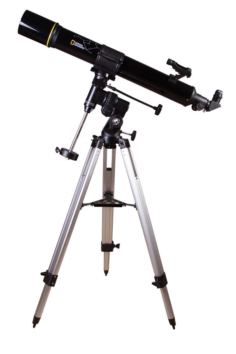 Bresser National Geographic 90/900 EQ телескоп9070000Телескоп Bresser National Geographic 90/900 EQ – прекрасный инструмент для начинающего и опытного астронома. Он собирает достаточно света для изучения тусклых объектов дальнего космоса и дает увеличение до 675 крат. Его оптические возможности в полной мере раскрываются при изучении лунной поверхности, в наблюдениях за звездными скоплениями и туманностями, при исследованиях планет Солнечной системы. Bresser рекомендует этот телескоп для загородных наблюдений: в отсутствии городских огней и света Луны телескоп Bresser National Geographic 90/900 EQ подарит вам поистине поразительную картину космоса. Длиннофокусный рефрактор-ахромат: Телескоп Bresser National Geographic 90/900 EQ снабжен ахроматическим объективом, который держит стабильную и четкую картинку даже на максимальном увеличении. При изучении двойных звезд, туманностей или кратеров Луны важны контрастность и глубина деталей – ахроматический объектив в полной мере отвечает этим требованиям....