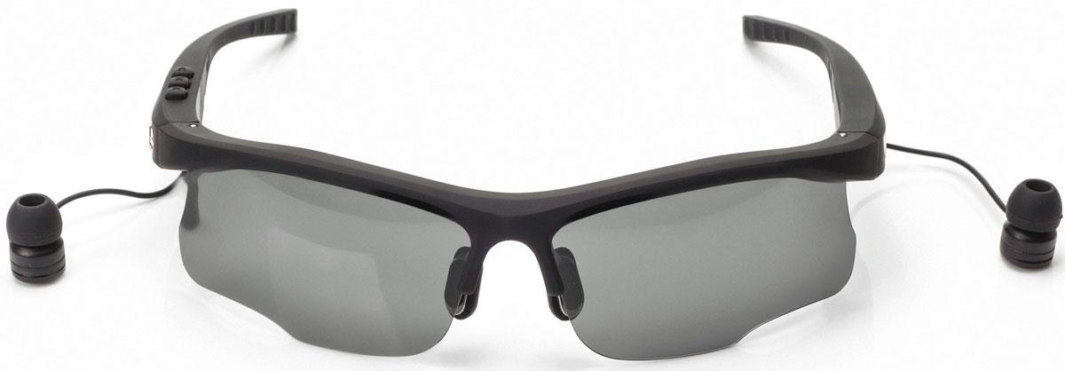 Harper HB-600, Black очки с Bluetooth-гарнитуройH00001015Стильные спортивные солнцезащитные очки с Bluetooth-гарнитурой Harper HB-600. Cветофильтры очков изготовлены из пластика, легкого и небьющегося. Фильтры поляризованы, то есть они не просто затемняют, а именно не пропускают вредные для глаз лучи. В Harper HB-600 используются внутриканальные наушники, которые выведены на небольших проводках из оправы возле уха. Подключение к вашему устройству происходит посредством беспроводной связи Bluetooth. Длины провода достаточно, чтобы можно было поднять очки наверх, не вытаскивая гарнитуру из ушей. На внешней стороне оправы предусмотрены металлические вставки, к которым примагничиваются наушники. Внутренняя часть дужек покрыта резиной.