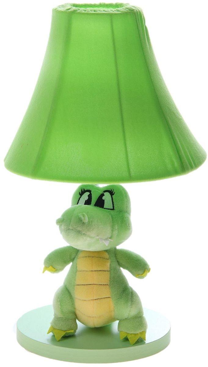 Лампа настольная Плюшевый динозаврик зеленый906517Детям веселей, когда их окружают яркие вещицы. Поэтому стоит продумать даже то, как будет выглядеть дополнительный источник света в комнате вашего малыша. Чаще всего подобные светильники ставят на прикроватную тумбочку или письменный стол, чтобы в комнате не оставалось неосвещённого пространства. Чтобы не оставлять своего маленького шалуна в полной темноте, просто «зажгите» светильник детский белый, с ним будет спокойней и вам и ребёнку. *Размещайте провода и другие, не предназначенные для детских ручек детали, таким образом, чтобы ваш шалун до них не дотянулся.