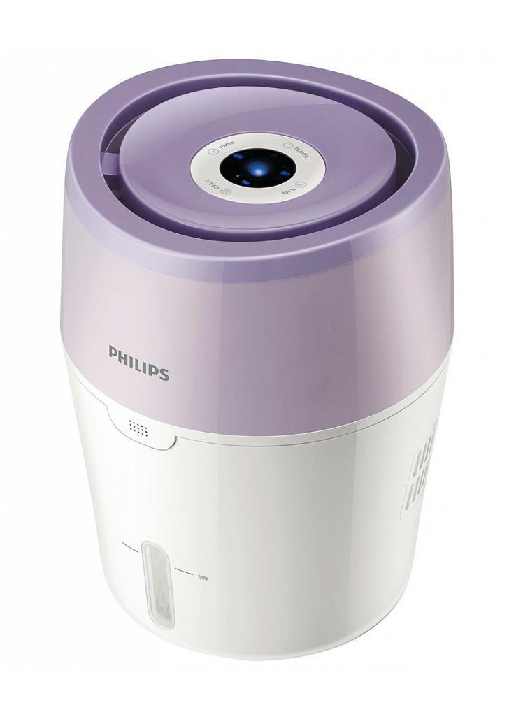 Philips HU4802/01 увлажнитель воздухаHU4802/01Цифровой интерфейс и современная технология холодного испарения. При использовании увлажнителя Philips в выходящем из прибора воздухе на 99,9% меньше бактерий, чем при использовании ультразвукового увлажнителя. Он равномерно распределяет увлажненный воздух по комнате, без бактерий и белой пыли. Технология холодного испарения NanoCloud: Этот увлажнитель воздуха от Philips с технологией NanoCloud оснащен современной системой холодного испарения и действует в три этапа: 1) сухой воздух поступает в увлажнитель, где крупные загрязнения, пыль и шерсть животных оседают на поглощающем фильтре 2) при помощи технологии холодного испарения NanoCloud происходит насыщение воздуха молекулами воды. Эта технология препятствует распространению в воздухе бактерий и появлению белой пыли 3) чистый увлажненный воздух подается в помещение и равномерно распределяется по комнате без образования водяного пара, обеспечивая комфорт вам и вашей семье. ...