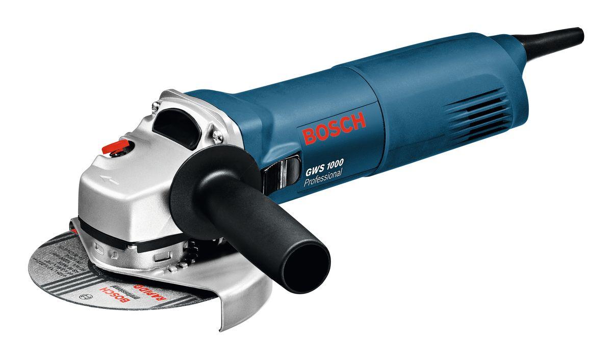 Угловая шлифмашина Bosch GWS 100006018218R0Технические характеристики: Номинальная потребляемая мощность: 1 000 W; Число оборотов холостого хода: 11000 об/мин; Выходная мощность: 630 W; Диам. круга: 125 мм; Резиновая шлифпластина, диаметр: 125 мм; Диам. круглой щетки: 75 мм; Масса без кабеля: 2,1 кг. Комплектация: Дополнительная рукоятка Круглая гайка Ключ под два отверстия Защитный кожух