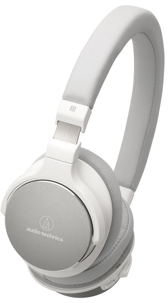 Audio-Technica ATH-SR5BT, White наушники10102365Audio-Technica ATH-SR5BT - это лёгкие беспроводные наушники с достойным качеством воспроизведения музыки. Интегрированный модуль Bluetooth запоминает до 8 устройств, сопряжение происходит всего лишь одним касанием руки. Проводное подключение также обеспечит вам превосходную чёткость звука благодаря 45-мм драйверам. Специально разработанные 45-мм драйверы До 38 часов непрерывного воспроизведения от аккумулятора Регулировка громкости и управление микрофоном расположены на наушниках для удобного управления Технология NFC позволяет легко выполнять сопряжение одним касанием Пенные амбушюры обеспечивают непревзойденный комфорт