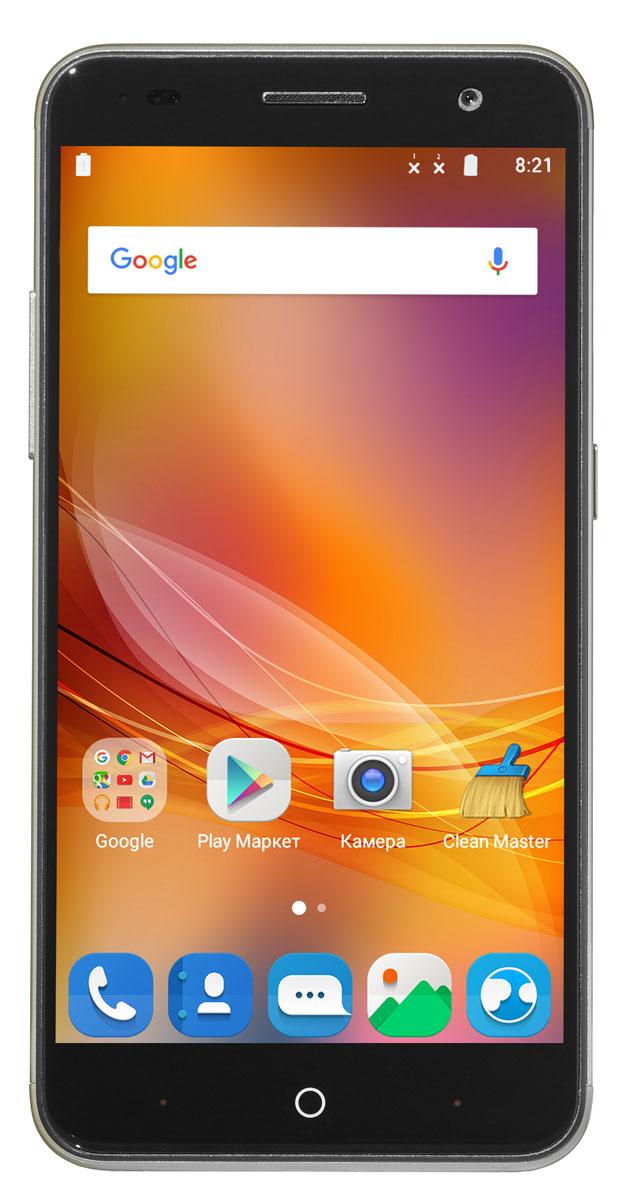 ZTE Blade V7, GoldZTE-BLADE.V7.GDСмартфон Blade V7 порадует сочетанием высокой производительности процессора, прочного стильного металлического корпуса и продвинутого функционала. Благодаря восьмиядерному процессору MediaTek MT6753 с тактовой частотой 1,3 ГГц смартфон работает чрезвычайно шустро. Пользователю обеспечены быстрый запуск и уверенная работа практически любых приложений, а также плавное воспроизведение видео. Смартфон имеет 5,2-дюймовый дисплей с разрешением 1920х1080 пикселей. Он достаточно яркий, не вынуждает владельца напрягать глаза, обеспечивает четкое, разборчивое изображение и экономно расходует энергию аккумулятора. ZTE Blade V7 оснащен двумя камерами - основной и фронтальной. Основная предназначена для фото- и видеосъемки, для этого у нее есть 13-мегапиксельная матрица, автофокус и светодиодная вспышка, благодаря чему владелец может снимать фото и видео, которыми не стыдно поделиться с окружающими. Фронтальная 8- мегапиксельная камера предназначена для...