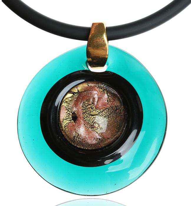 Кулон на шнурке Лагуна. Муранское стекло цвета морской волны, шнурок из каучука, ручная работа. Murano, Италия (Венеция)PD506Кулон на шнурке Лагуна. Муранское стекло цвета морской волны, шнурок из каучука, ручная работа. Murano, Италия (Венеция). Размер: Кулон - диаметр 4,5 см. Шнурок - полная длина 45 см. Каждое изделие из муранского стекла уникально и может незначительно отличаться от того, что вы видите на фотографии.