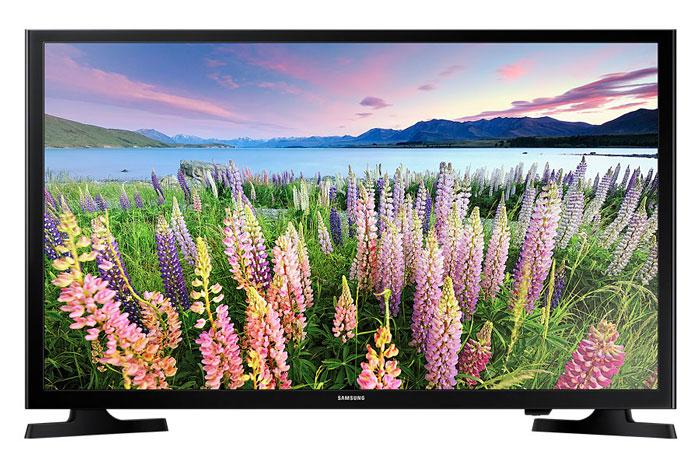 Samsung UE32J5005AKX телевизорUE32J5005AKXRUТеперь еще больше деталей в каждой сцене с Full HD телевизором Samsung UE32J5005AKX. Благодаря двухкратному увеличению разрешения по сравнению с разрешением обычных HD телевизоров. Full HD телевизор Samsung UE32J5005AKX подарит вам необыкновенный захватывающий мир. Получите новые впечатления от любимых фильмов и ТВ программ. Технология расширения цветового охвата (Wide Colour Enhancer) использует улучшенный алгоритм для повышения качества изображения. Это позволяет показать ранее неразличимые детали и обеспечивает реалистичную цветопередачу. Функция ConnectShare позволит легко загрузить ваш контент в телевизор. Просто вставьте USB накопитель или внешний жесткий диск (HDD) в USB разъем ТВ и наслаждайтесь видео, фото или слушайте музыку на большом экране. Разъемы HDMI в телевизоре Samsung UE32J5005AKX превращают вашу комнату в центр развлечений. Подключите устройства с поддержкой HDMI к вашему телевизору и наслаждайтесь контентом.