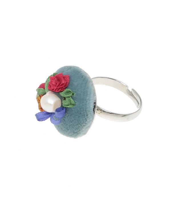 """Кольцо коктейльное """"Сонет"""" в стиле рококо. Натуральный шелк, бархат, французская вышивка, натуральная жемчужина, ювелирный сплав серебряного"""