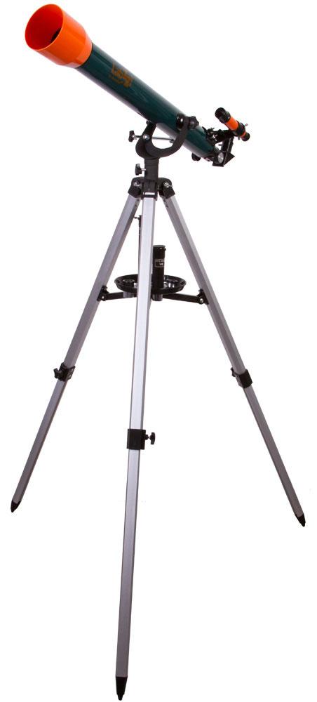 Levenhuk LabZZ T3 телескопT3 60x700Levenhuk LabZZ T3 - детский телескоп со взрослыми возможностями. Его увеличение достигает 175 крат, что позволяет исследовать множество астрономических объектов во всех деталях. А управление настолько простое, что с ним справится даже совсем юный исследователь космоса. Все необходимые аксессуары для наблюдений уже включены в комплект поставки. Телескоп познакомит юного астронома с космосом и сможет показать ему планеты Солнечной системы, Луну, далекие галактики и загадочные туманности. С помощью диагонального зеркала и оборачивающего окуляра маленький исследователь сможет переключиться на изучение наземных объектов. Оба аксессуара правильно ориентируют изображение телескопа, а оборачивающий окуляр еще и увеличивает его кратность. Линза Барлоу также усиливает оптические возможности телескопа. Азимутальная монтировка, на которую установлен телескоп, легка в управлении. Ребенок освоится с ней всего за несколько минут. Алюминиевая тренога устойчива...