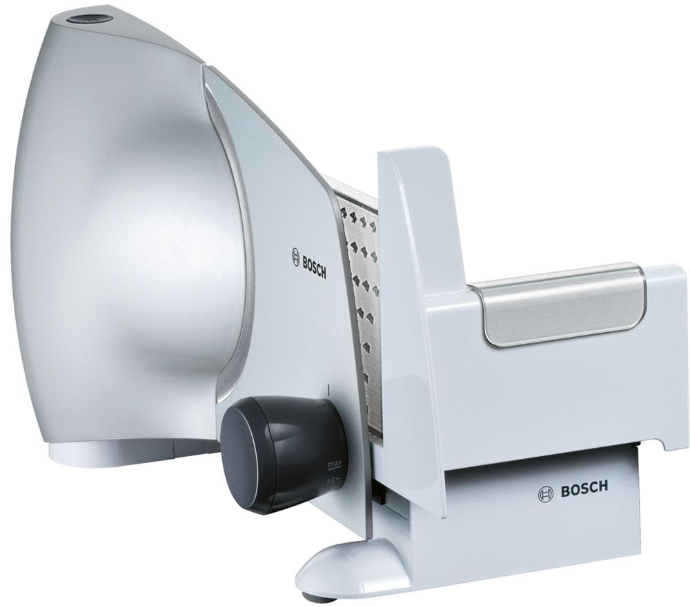 Bosch MAS6151M ломтерезкаMAS6151MЛомтерезка Bosch MAS6151M – универсальный прибор, который поможет быстро нарезать самые разные продукты: хлеб, сыр, ветчину, овощи и многое другое. Качество резки обеспечивается острым ножом с волнообразной заточкой, выполненным из нержавеющей стали. Толщину ломтиков можно регулировать от 1 до 15 мм. Механическое управление отличается простотой и удобством – настройки толщины вводятся при помощи традиционного поворотного регулятора.Защитный кожух ножа, кнопка безопасного включения, а также резиновые ножки для устойчивости и суппорт для подачи продуктов с защитой пальцев обеспечивают безопасную эксплуатацию прибора.