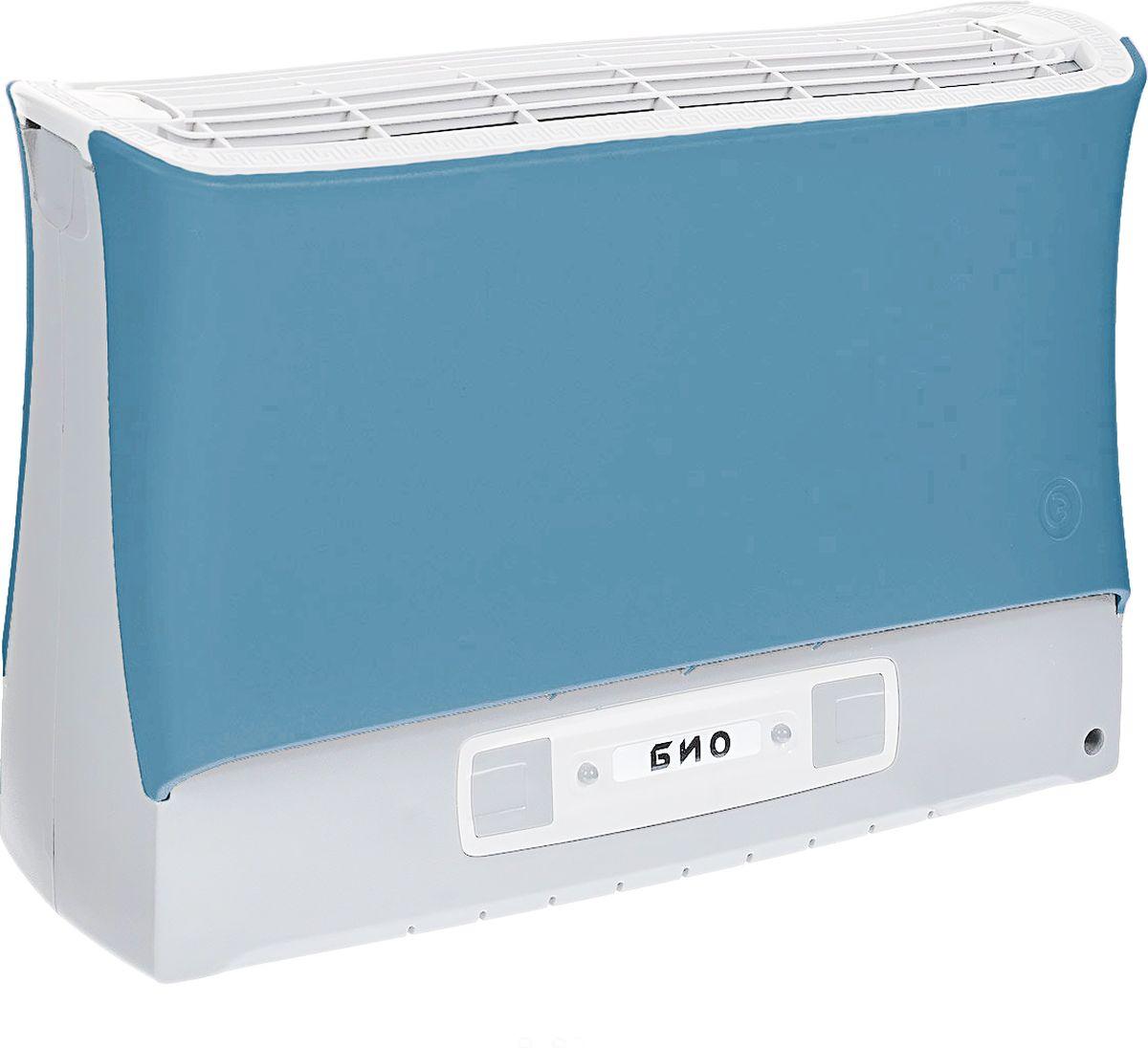 """Супер Плюс Био очиститель воздуха, цвет синийСупер-Плюс-Био синийВоздухоочиститель Супер Плюс Био состоит из двух основных частей: корпуса, и кассеты. Кассета в прибор вставляется сверху и фиксируется защелками. На передней части прибора расположена панель управления прибором. Рекомендуемое рабочее положение прибора - вертикальное.Работа прибора основана на принципе ионного ветра, который возникает в результате коронного разряда и обеспечивает движение потока воздуха через кассету прибора, при этом частицы аэрозоля (пыль, дым, микроорганизмы), загрязняющие воздух, всасываются вместе с воздухом в кассету приобретая электрический заряд и под действием электростатического поля прилипают к осадительным пластинам, расположенным внутри кассеты.Воздух, проходящий через кассету, дополнительно обрабатывается озоном, образующимся в зоне коронного разряда, его количество заметно меньше предельно допустимой концентрации, но все же достаточно для того, чтобы в помещении, в котором работает прибор, уничтожались неприятные запахи, подавлялась жизнедеятельность болезнетворных микробов, спор грибков, плесени.Воздухоочиститель имеет пять режимов работы, которые отличаются друг от друга соотношением периодов """"работы"""" и """"отдыха"""" прибора, а также скоростью воздушного потока, это позволяет наиболее эффективно использовать прибор в помещениях разного объема.Также воздухоочиститель имеет электронную систему контроля состояния кассеты, которая информирует о необходимости чистки воздухоочистителя или об отсутствии или неправильной установке кассеты в приборе."""