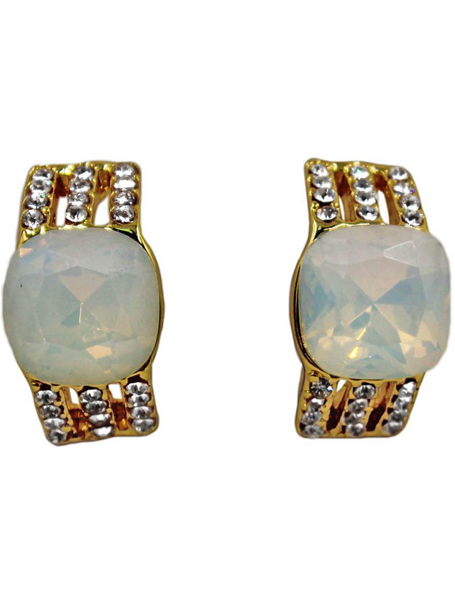 Серьги Taya, цвет: золотистый, опал. T-B-11314-EARR-GL.OPALT-B-11314-EARR-GL.OPALСерьги-гвоздики с заглушкой металл-пластик изготовлены из гипоаллергенного бижутерного сплава. Нежные сережки выполнены в форме полукруга с вставками из матовых камней.