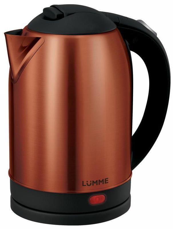 Lumme LU-218, Dark Garnet электрочайникLU-218Вместительный металлический чайник Lumme LU-218 объемом 2.0 литра из высококачественной нержавеющей стали. Пищевая нержавеющая сталь способствует сохранению природного вкуса и натуральных свойств воды. Для быстрого закипания чайник оснащен нагревательным элементом мощностью 1,7 кВатт, защищенного плоским стальным дном для равномерности нагрева, противостояния накипи, коррозии и для большего удобства в уходе. Система автоматического отключения при закипании или недостаточном количестве воды заметно продлит срок работы чайника. Чайник оснащен базой питания, позволяющей брать его с любой стороны или вращать на 360 градусов, что делает прибор совершенно безопасным, а его эксплуатацию комфортной.
