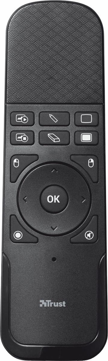 Trust Wireless Touchpad Presenter, Black пульт для презентаций19867Беспроводное устройство Trust Wireless Touchpad Presenter с сенсорной панелью для управления презентациями. Благодаря эргономичной форме устройство удобно держать в руке. Устройство работает на частоте 2,4 ГГц, что позволяет оценить свободу перемещений и возможность более плотной работы с аудиторией, усиливающие впечатление от презентации. После работы беспроводной приемник можно убрать внутрь корпуса устройства. Сенсорная панель пульта для презентаций позволяет использовать курсор мыши для наведения на нужную вам область.