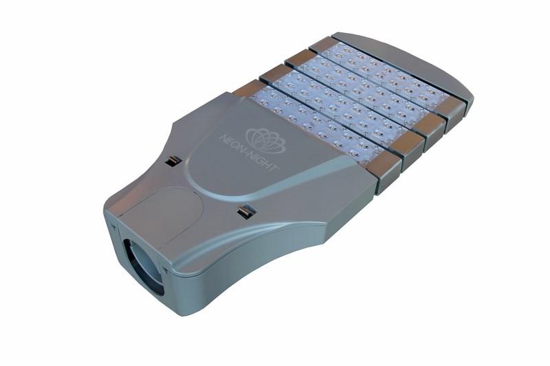 Светильник уличный, 56 LED, 120W, 10200Lm, 4500K, чистый белый, IP66601-056Светильник уличный, 56 диодов (CREE/Philips), 120W, 10200Lm, 4500K, чистый белый, IP66, input 220-240V, тип вторичной оптики: поляризованные овальные линзы, CRI>70, продолжительность работы >50000часов, вес нетто 9кг, габариты 630*300*135 (мм), р-р упаковки 740*410*210 (мм)