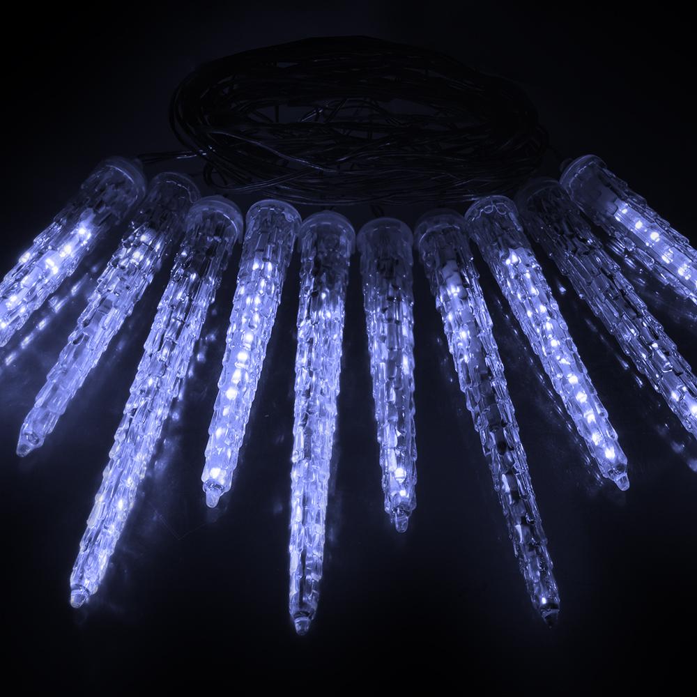 Гирлянда-конструктор электрическая Vegas Сосульки, 40 ламп, длина 2 м, свет: холодный. 5503755037Уважаемые клиенты! Обращаем ваше внимание - трансформатор не входит в комплект! Приобретается отдельно. Профессиональная серия гирлянд VEGAS - Гирлянды-конструктор (24V). Универсальные гирлянды используются для внешнего и внутреннего декорирования (дома, рестораны, загородные дома, мероприятия), для применение как в зимний период, так и летом. Есть возможность последовательного соединения до 1 500 LED. Трансформатор НЕ входит в комплект! Приобретается отдельно. Без трансформатора VEGAS гирлянду невозможно подключить к электричеству. Электрогирлянды и аксессуары марки VEGAS не подключаются к электрогирляндам других производителей. Преимущества гирлянд ТМ «VEGAS»: - абсолютная безопасность для людей и животных (питание 24 v); - большой срок службы (до 25 000 часов); - универсальность (гирлянды имеют прозрачный провод, который впишется в любую цветовую интерьерную гамму, и соединяются между собой при помощи единых влагозащитных коннекторов); ...