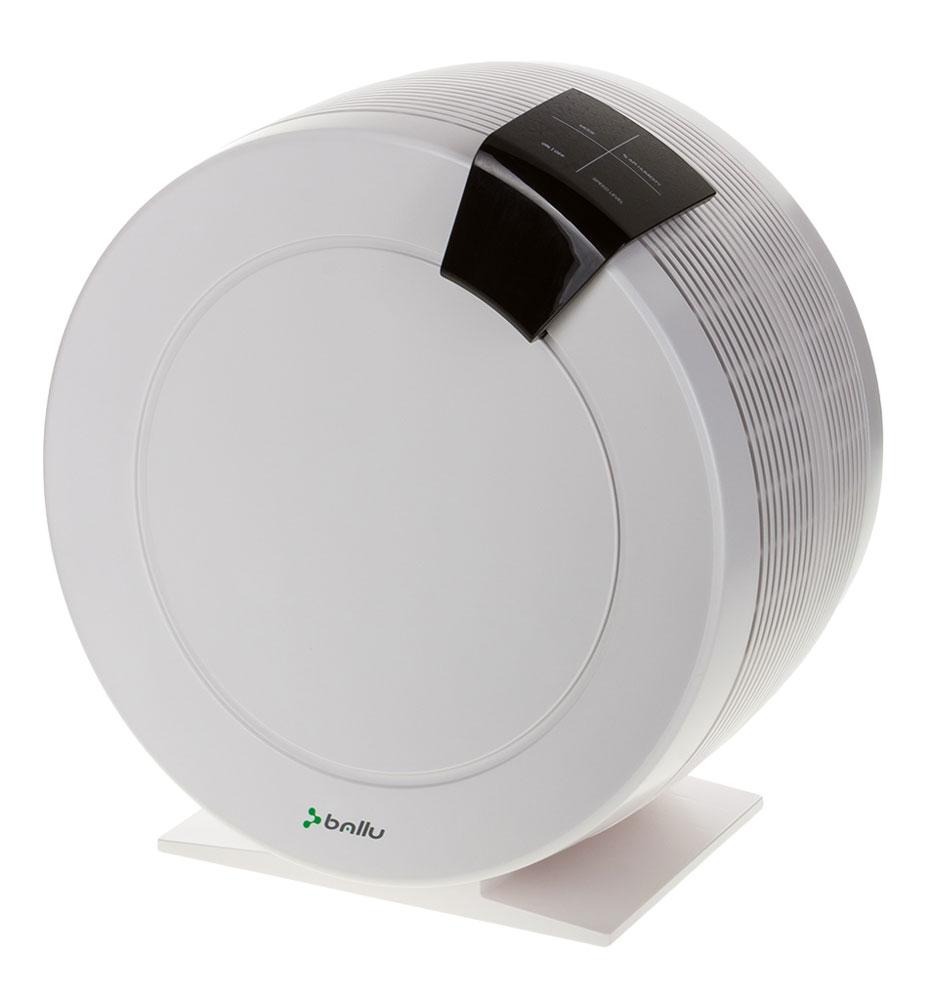 Ballu AW-325, White мойка воздухаНС-1022917Создать комфортные условия для жизни поможет мойка воздуха Ballu AW-325. Благодаря стильному дизайну, большому количеству режимов и функций, удобному управлению и всегда актуальному цветовому исполнению мойка воздуха Ballu гармонично впишется в интерьер вашего дома и станет незаменимым помощником в создании комфортной среды.Прибор увлажняет и очищает воздух в помещении. Комфортные условия достигаются при относительной влажности воздуха от 40% до 60%.Процесс увлажнения в мойках воздуха Ballu AW-325 происходит по принципу холодного испарения. Внутри прибора вращаются пластиковые диски, которые благодаря адсорбирующей поверхности и ламелям находятся в увлажненном состоянии. Проходя через диски, воздух очищается от пыли и увлажняется. Вся грязь смывается в поддон, а увлажненный воздух поступает в помещение.Процесс очистки воздуха осуществляется без применения сменных фильтров и расходных материалов.Режимы работы:AUTO (автоматический режим):В этом режиме автоматически поддерживается уровень относительной влажности 45%. Чем ниже уровень влажности в комнате, тем выше скорость вращения вентилятора и, следовательно, выше производительность прибора.NIGHT (ночной режим для комфортного сна):Режим предназначен для бесшумной работы мойки воздуха в ночное время. Освещенность панели управления снижена, прибор автоматически поддерживает относительную влажность на уровне 45%. Скорость вращения вентилятора установлена на минимальном уровне.CLEAN (режим очистки дисков от налета солей жесткости): При работе в этом режиме вентилятор находится в выключенном состоянии, и запах моющего раствора, залитого в поддон, не будет распространяться по помещению. Вращаются только увлажняющие/очищающие диски.Встроенный гигрометрДезинфицирующий серебряный стержень DSS для обеззараживания воды
