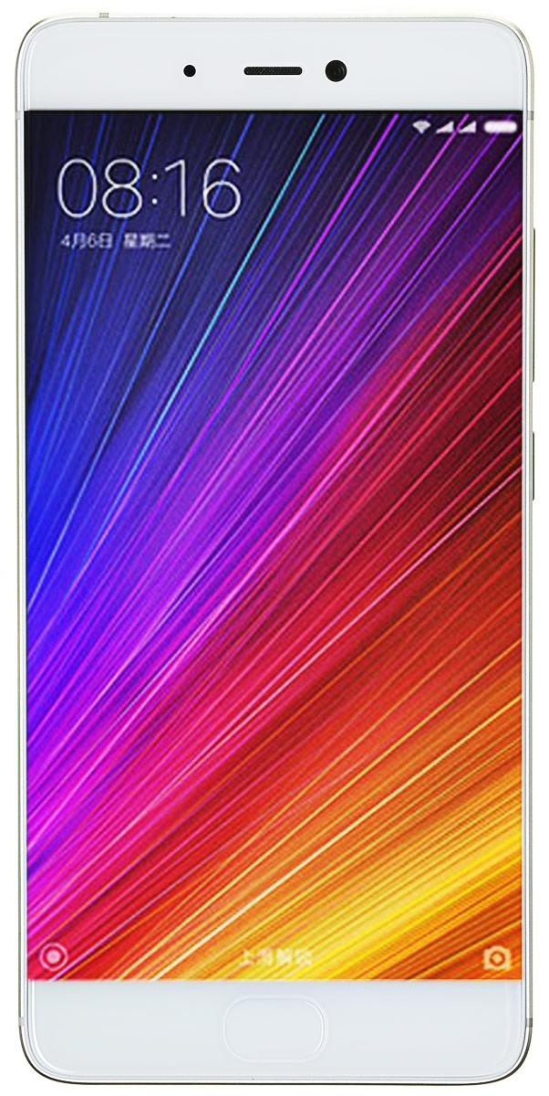 Xiaomi Mi 5S (32GB), Gold (MI5S32GBGL)MI5S32GBGLГлавная особенность Xiaomi Mi 5S — это чувствительная камера, которая позволяет делать исключительные большие фотографии и днем и ночью.Фотосъемка – это искусство света, чем больше чувствительный элемент камеры, тем большее количество света он может вместить, и тем лучше качество изображения. Выбрав на данный момент самый большой чувствительный элемент Sony IMX378, размер которого составляет 1/2.3 дюйма, Xiaomi позволили каждому пикселю снимков быть насыщенным самой разнообразной цветовой информацией.Секрет заключается в гигантских пикселях размером в 1.55 мкм, которые могут сохранить большее количество разнообразных деталей и насыщенных цветов. Даже при темном освещении вы сможете сделать фотографию с четким разделением цветовых уровней и красивыми светотеневыми переходами.Большой чувствительный элемент размером в 1/2.3 дюйма увеличит количество проникающего света до 177%, что позволит каждому большому пикселю наполниться разнообразной цветовой информацией. Все это сделает ваши фотографии более детальными и богатыми в цвете и позволит делать фотографии даже при плохом освещении.Xiaomi Mi 5S оснащен ультразвуковым сканером отпечатков 3D. Как только палец коснется зоны распознавания - 10000 микросейсмических датчиков с высокой точностью отсканируют трехмерные особенности отпечатка и вместе с тем позволят вам насладиться приятной поверхностью смартфона.Настоящий монстр по техническим характеристикам – процессор Snapdragon 821. Xiaomi использовали процессор нового поколения Snapdragon 821 от компании Qualcomm. Необыкновенная скорость позволит вам по-новому насладиться скоростью смартфона.Оригинальный ультразвуковой сканер отпечатков пальцев, технология бесконтактной оплаты NFC, быстрый интернет 4G +, чувствительный к силе нажима сенсорный дисплей с высокой яркостью, достигающей 600 нит. Множество разнообразных усовершенствований значительно улучшат ваш опыт использования смартфона. При повышении производительности возраст